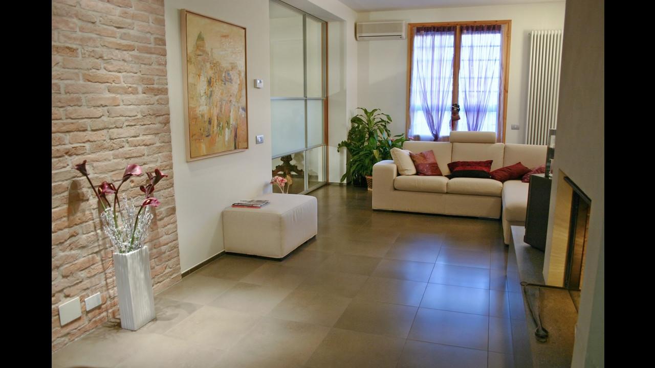 Casa b04 ap a studio architetti associati for Piani di casa di mattoni