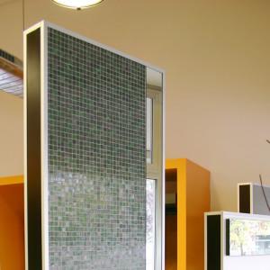 Showroom Benuzzi. Foto di pannelli espositivi per materiali da rivestimento.